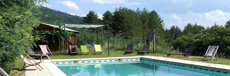 Vacances avec piscine au gite le trucal de la Blachere